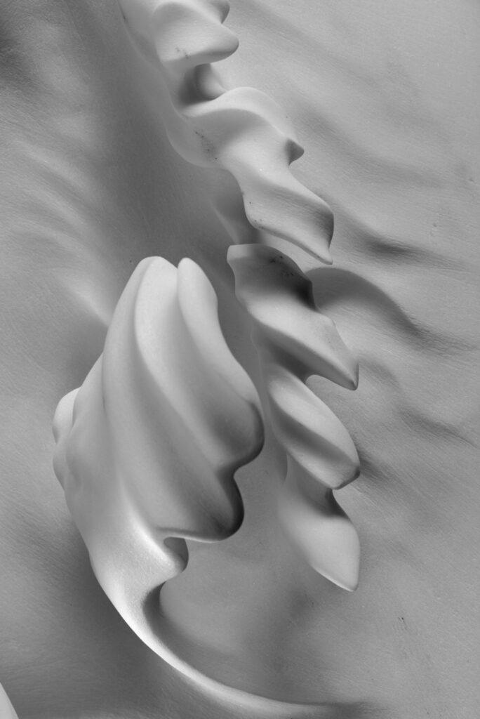 Onda A 1, marmo Carrara Statuario